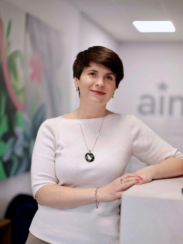 Ольга Ніжаловська
